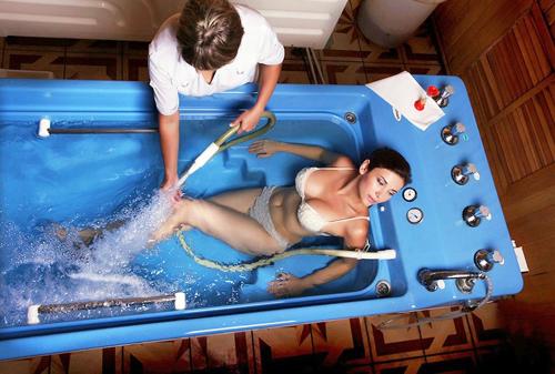 Секс со шлангом водой